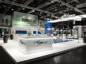 This year the large trade fair stand will be appearing in fresh EUROGLAS colours.
