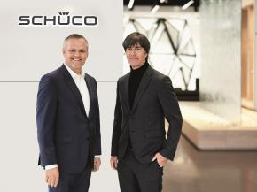 Picture credits: Schüco International KG Combining common values: Joachim Löw and Andreas Engelhardt, Managing Partner of Schüco International KG, in the Schüco showroom in Bielefeld.
