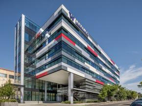 Vitro Architectural Glass products add color, energy efficiency to office addition