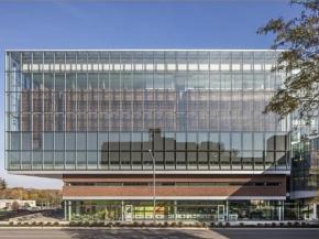 ARCHITECT magazine cites ACUITY glass for functionality, beauty