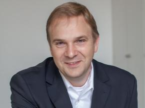 Christoph Troska (photo: Rainer Hardtke/Kuraray Europe GmbH)