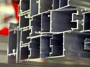 Extrusion profiles in Bellenberg, Germany. (Photo: Hydro/Simon McComb)