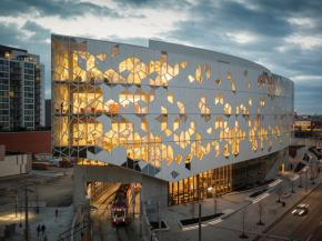 Vitro Glass-clad Calgary Central Library continues to earn accolades