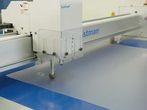 Cutting SG laminated glass with Eastman S125 static table