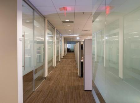 Demountable glass partitions at Lincoln Financial (Radnor, Pa.) by AGI member Reilly Glazing, Inc.