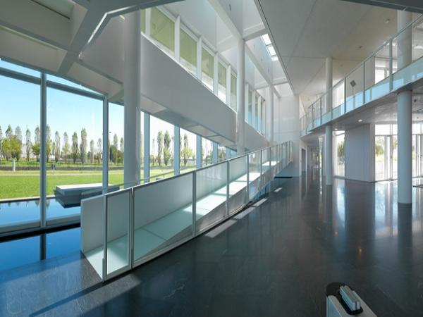 Guardian Glass transitions to Guardian ExtraClear® float glass.