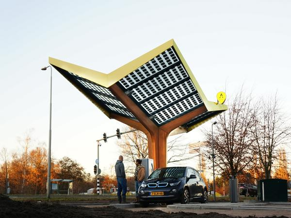 Opening of first urban fast-charging station in the Netherlands