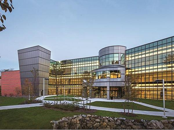 Suffolk County Community College | Vitro Certified Fabricator: Trulite Glass & Aluminum Solutions