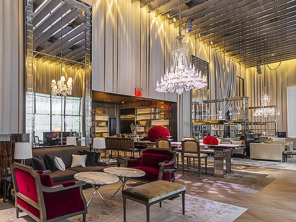 CARVART GLASS DAZZLES IN FIRST BACCARAT HOTEL