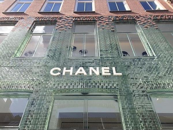 glass stronger than brick for chanel s new facade