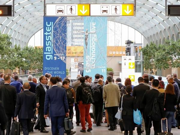 International glazing community celebrates innovation at the Glasstec show in Dusseldof