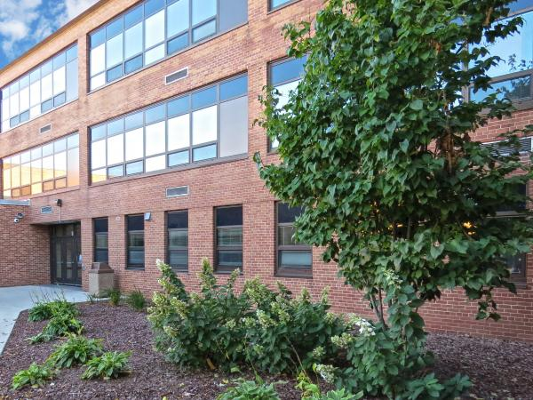 Relying on Wausau's windows, Wisconsin public school renovates for improved energy, comfort and aesthetics