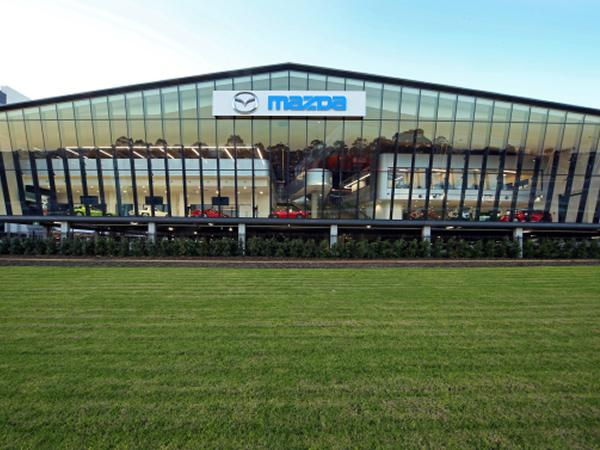 Viridian's SuperClear™ glass at Mazda Australia's new home