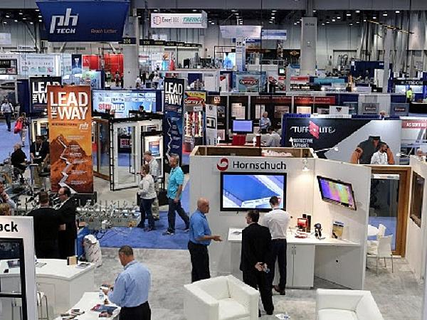 2017 glassbuild america trade show floor is largest in for Largest craft shows in the us