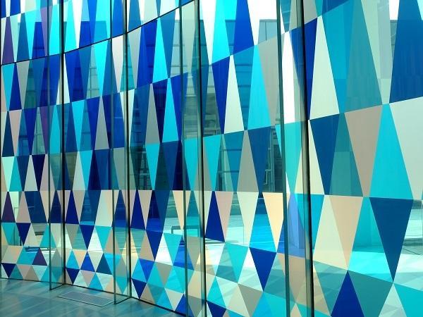 eastmans vanceva online color selector simplifies custom colored glass glassonwebcom - Colored Glass