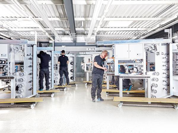 A look at the production hall of the M10 Industries: German quality work © M10 Industries AG