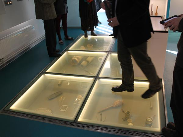 Intelligent Glass | Switchable Glass Floors