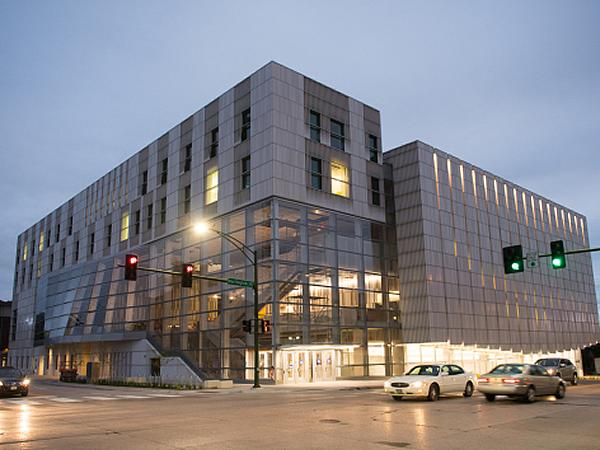 University of Iowa Voxman Music Building features Linetec's anodize finishing and thermal improvement services
