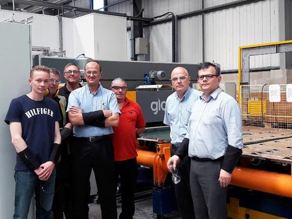 From the right: Andrew Smith, Darren Spencer, Barry Tennant and Robert Dyke from Independent Glass, with Ralph Staniforth from Glaston UK, standing behind, and Kalle Kaijanen from Glaston Finland on the left.