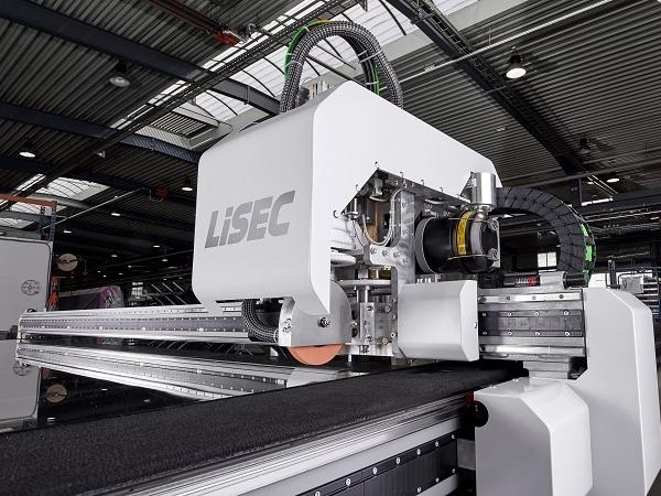 LiSEC SprintCut is the fastest cutting table for flat glass
