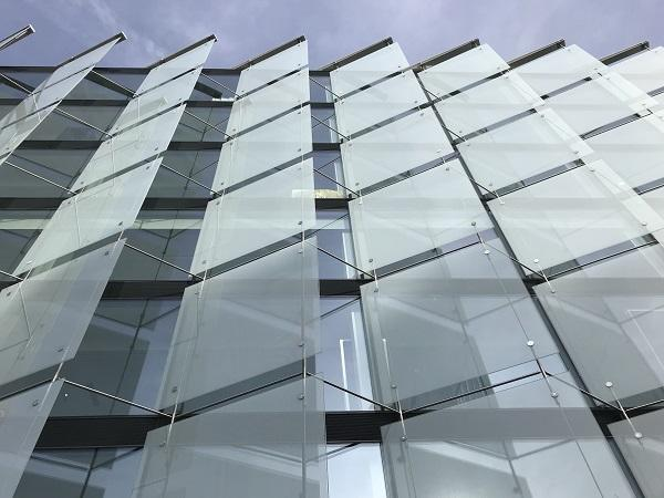 10m Glass Panes Laminated Toughened And Fritted On The New Ura Menndez Abogados Sustainable