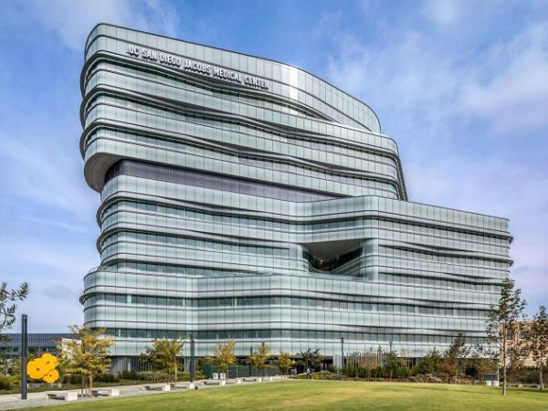 Health care facility featuring Solarban 70XL Starphire Ultra-Clear glass by Vitro Glass wins two awards