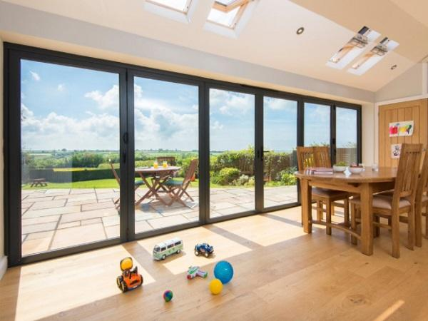 Aluminum helps overcome bi-fold door myths and boost property prices