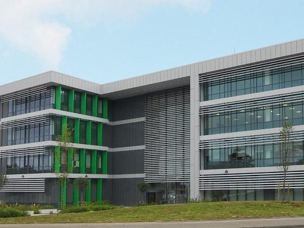Metal Technology façade for a 'diamond' finish