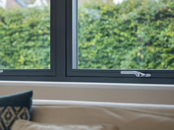 Residence 7s – Strong, Smooth and Seamless Flush Sash System from Tradelink