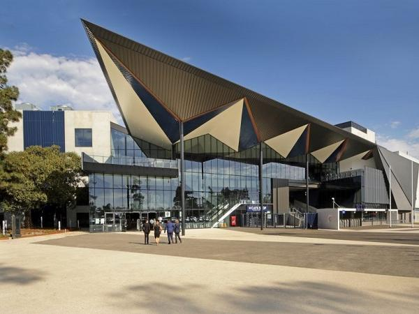 The new Geelong stadium is a real crowd pleaser