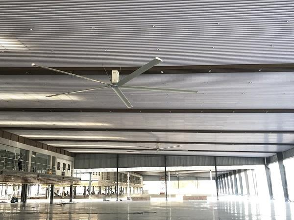NorthGlass HVLS fan are applied in car showrooms