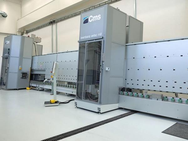 CMS Vertec Mill: the unique vertical cnc machining center able to machine thickness up to 30 mm