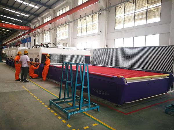 LONGLASS Introduces the Top Series Glass Tempering Furnace of NorthGlass to Boost the Development of High-End Market