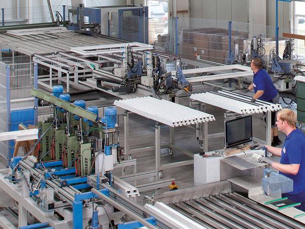 Networked CNC production controlled by state-of-the-art A+W Cantor software.