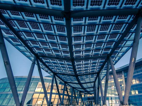 For overhead glazing, façades, balconies and sunshading elements, Solarvolt™ building-integrated photovoltaic (BIPV) modules merge renewable power generation with glass design. Public Safety Building, Salt Lake City, Utah
