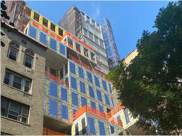 For a construction project in New York, Josko Fenster und Türen GmbH had its wood/aluminum windows successfully tested for tightness and mechanical durability according to NAFS at ift Rosenheim (Source: Panoramic European Windows)